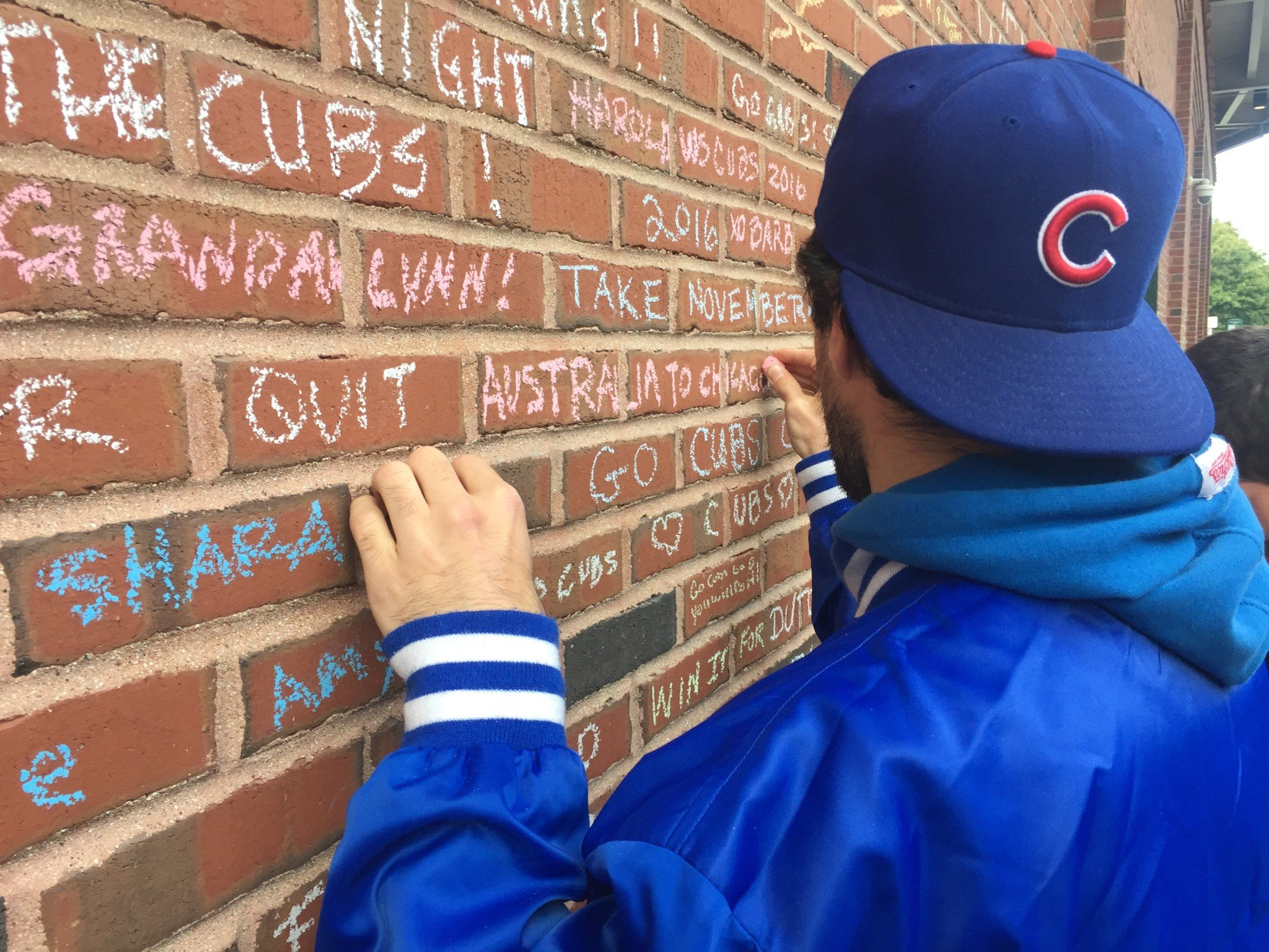 James Duvcevksi, a Cubs fan from Australia. (Mike Oz / Yahoo Sports)