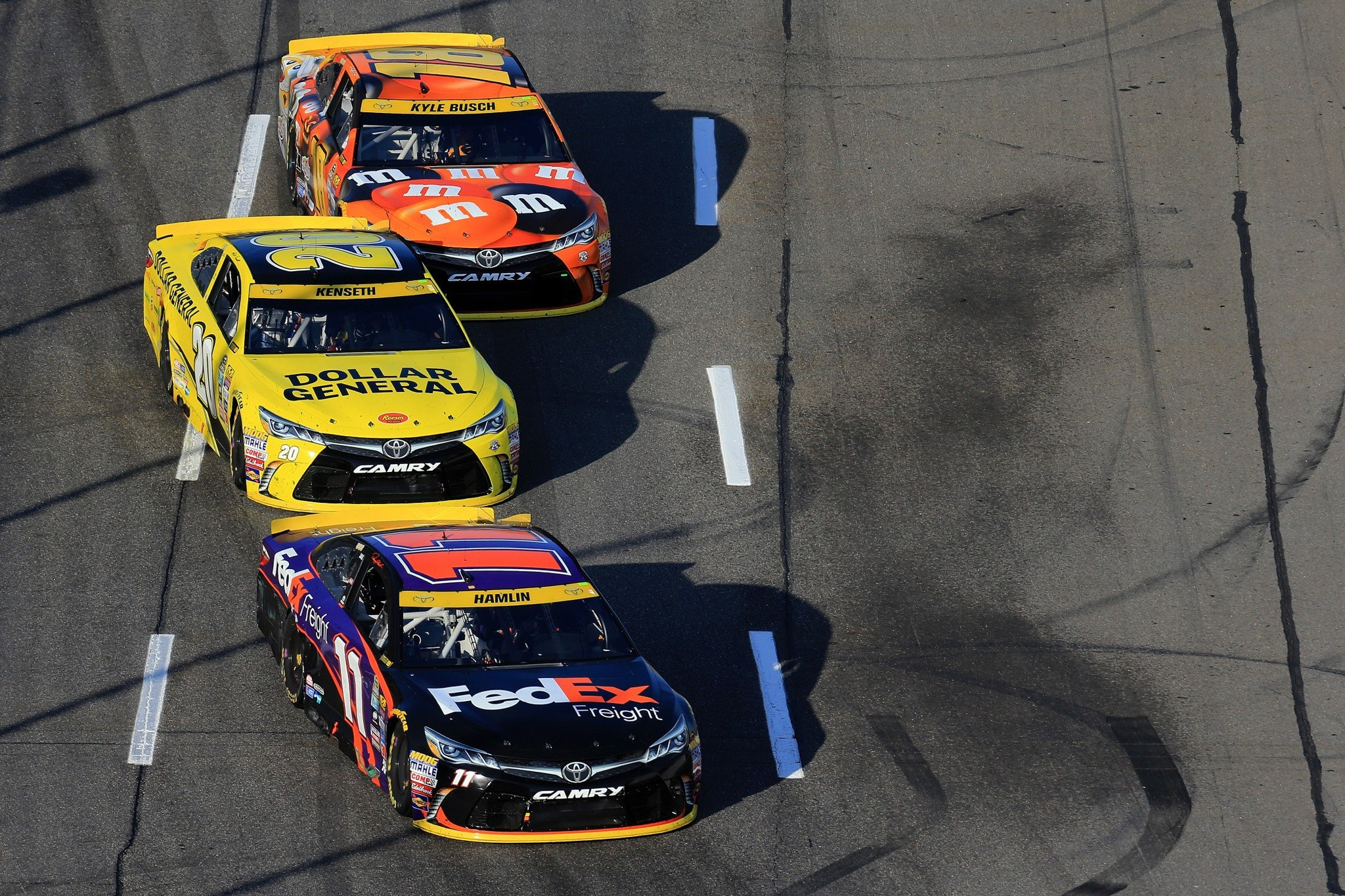 Bowman wins pole at Phoenix as Chase drivers seek more speed