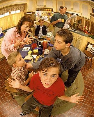 Clockwise from L-R: Jane Kaczmarek, Christopher Masterson, Bryan Cranston, Justin Berfield, Frankie Muniz and Erik Per Sullivan on Fox's Malcolm In The Middle