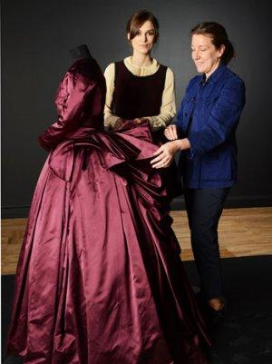 Keira Knightley, Jacqueline Durran Donate 'Anna Karenina' Gown to Victoria & Albert Museum  (Video)