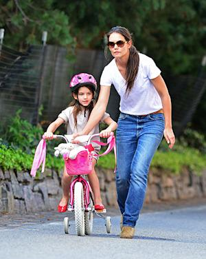Katie Holmes Teaches Suri Cruise How to Ride a Bike!