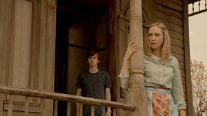 'Bates Motel's' Vera Farmiga, Freddie Highmore on Hints of 'Psycho,' Norma and Norman's 'Wacky Love Story'