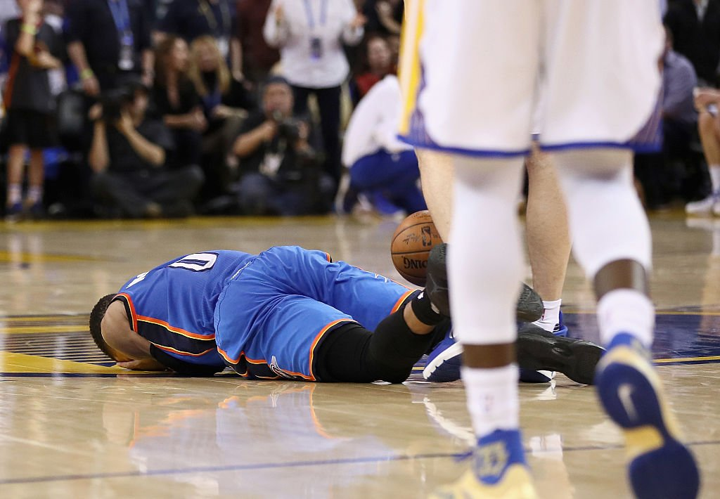 This is what happens when you cross Zaza Pachulia. (Getty Images)