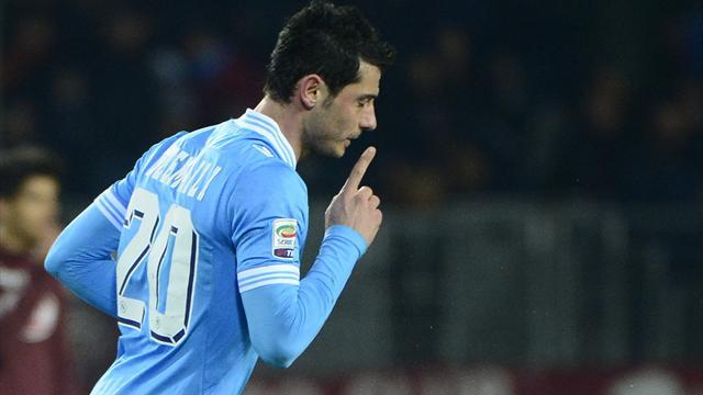 Serie A - Dzemaili treble tips eight-goal thriller in Napoli's favour