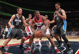 Seraphin's double-double leads Wizards past Magic