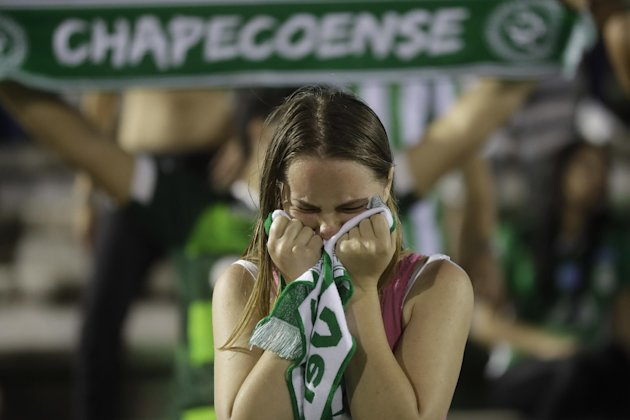 A fan of soccer team Chapecoense. ( 圖 / AP )
