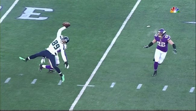 Seattle seahawks receiver makes stunning one handed catch in freezing