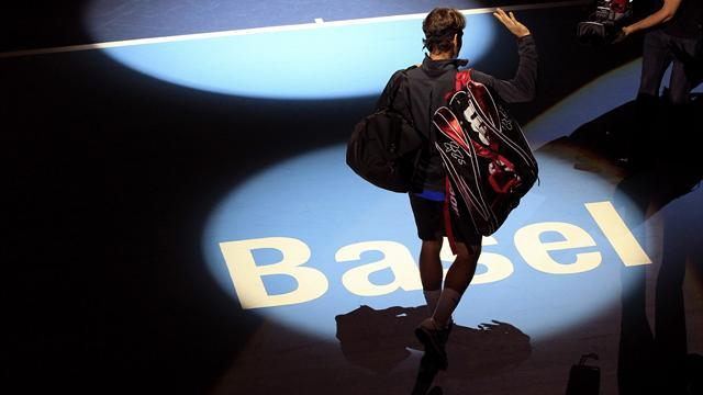 Tennis - Sluggish start for Federer in home tournament