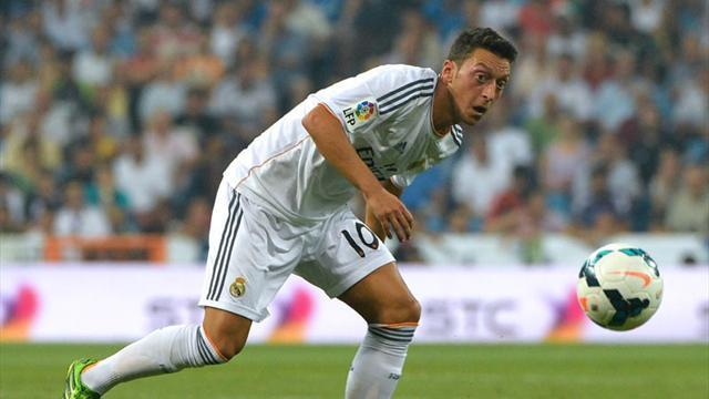 Liga - Ozil denies Bale problem, wants Madrid stay