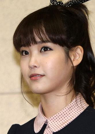 IU's income tops 10 billion won