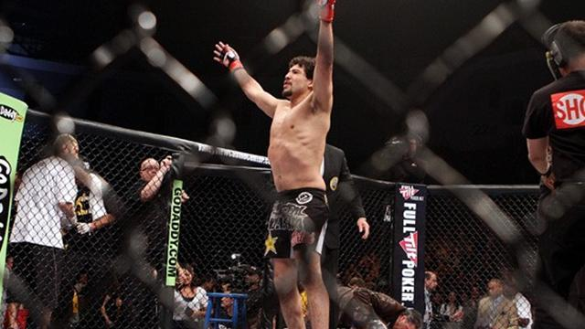 Melendez injury causes Strikeforce to cancel card