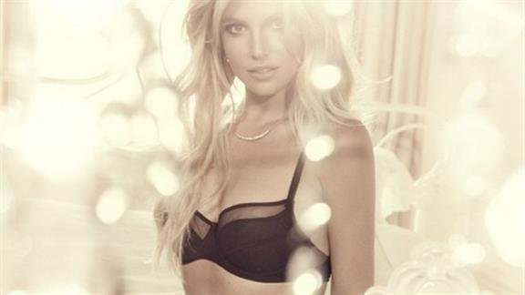 Britney Spears Broke Up With David Lucado After He Cheated On Her With A PORN STAR?