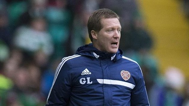 Gary Locke is targeting a rare victory when his Hearts side face Hibernian
