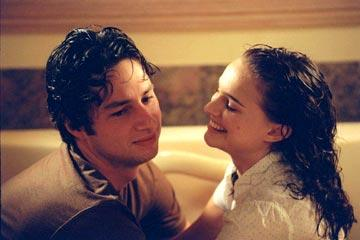 Zach Braff and Natalie Portman in Fox Searchlight's Garden State