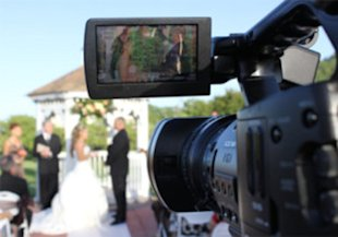 10 Ways Your Wedding Videographer Can Tell If Your Marriage Will Last