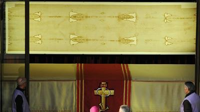 Shroud of Turin Displayed, Pope Delivers Message