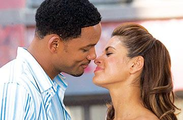 Will Smith and Eva Mendes in Columbia Pictures' Hitch