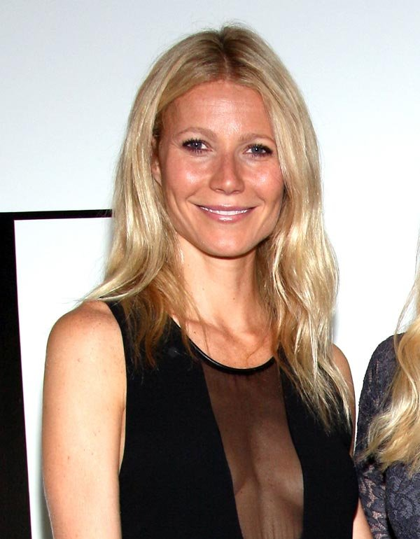 Gwyneth Paltrow's Sideboob Malfunction — Pics
