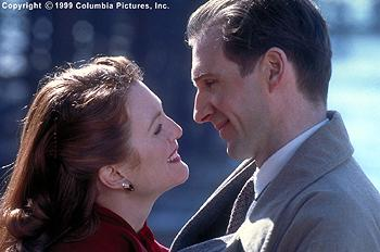 In Columbia Pictures' The End of the Affair (12/99), Sarah Miles ( Julianne Moore ) and Maurice Bendrix ( Ralph Fiennes ) begin a tumultuous love affair that will carry a tragic price tag.