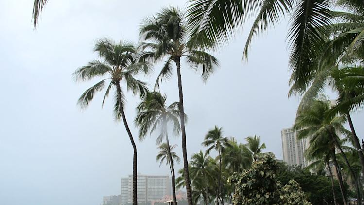 Flossie dissipates, leaves little damage in Hawaii