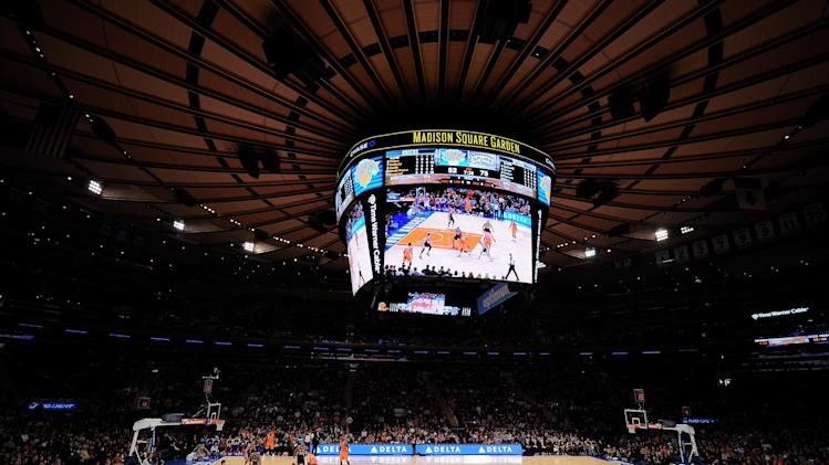 San Antonio Spurs v New York Knicks