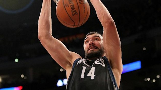 Nikola Pekovic of the Minnesota Timberwolves dunks (AFP)