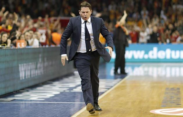 TOL01. Istanbul (Turkey), 20/04/2014.- Barcelona's head coach Xavier Pascual reacts during the Euroleague Play offs basketball match between Galatasaray vs Barcelona in Istanbul, Turkey, 20 April