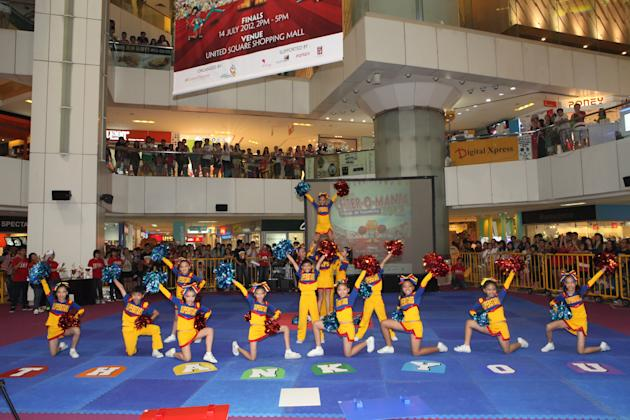 Cheerleading stunts performed by Si Ling Superstar, Si Ling Primary School's cheerleading squad.