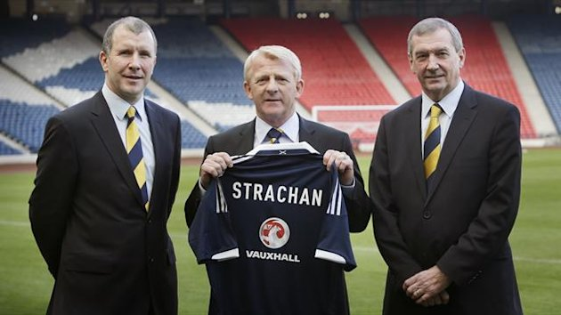 Stewart Regan, left, backs new manager Gordon Strachan, right, to improve Scotland's fortunes