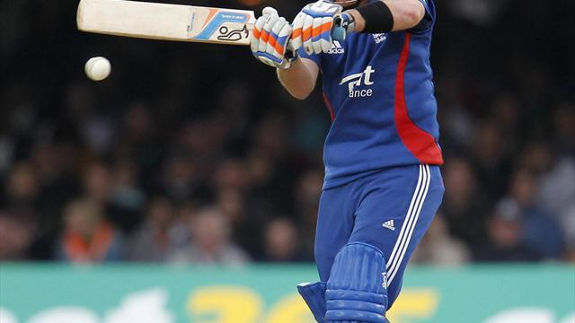 Cricket - England make poor start to ODI tour