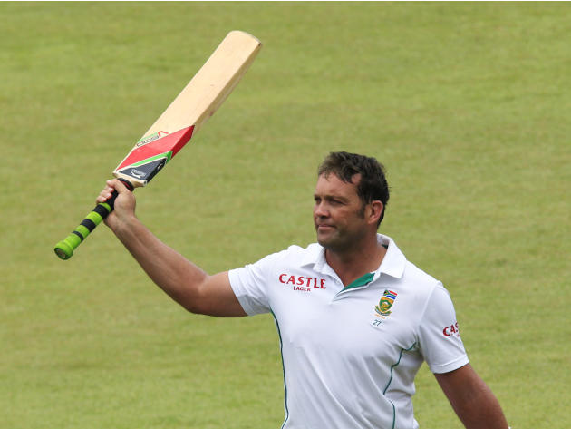 South Africa's Kallis acknowledges the applause after he got out in his last test appearance during the fourth day of the second cricket test match against India in Durban