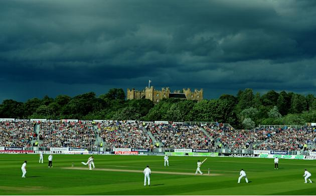 Cricket - Fourth Investec Ashes Test - Day Four - England v Australia - Emirates Durham ICG