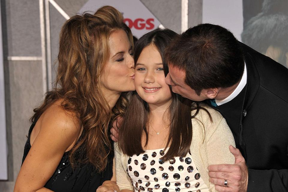 Old Dogs LA premiere 2009 Kelly Preston Ella Bleu Travolta John Travolta