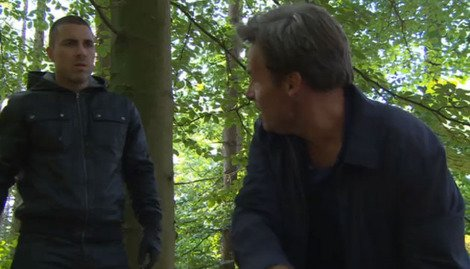 Fraser tells Trevor that Freddie is under his protection.