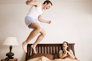 10 things you should never do in bed