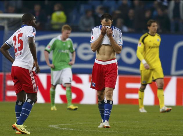 Hamburger SV's Westermann leaves the pitch after German first division Bundesliga soccer match against VfL Wolfsburgin Hamburg