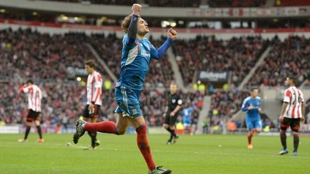 Premier League - Hull new boys take advantage of early Sunderland red