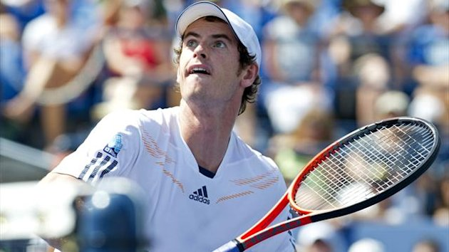 Andy Murray of Great Britain waits for the ball from Feliciano Lopez of Spain during their men's singles match at the 2012 US Open tennis tournament on September 1, 2012 (AFP)
