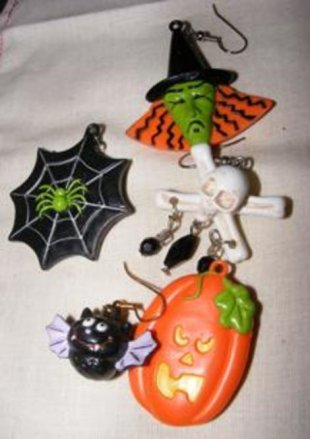 The wonders you can do with Halloween earrings!