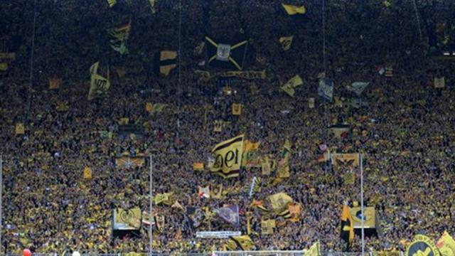 Bundesliga - Borussia Dortmund fined for fan trouble