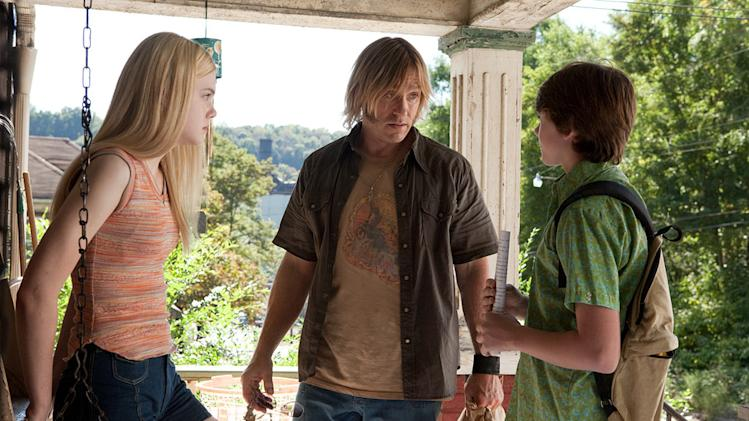 Super 8 Paramount Pictures 2011 Elle Fanning Ron Eldard Joel Courtney
