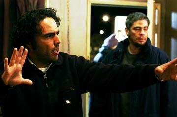 Director Alejandro Gonzalez Inarritu and Benico Del Toro on the set of Focus' 21 Grams