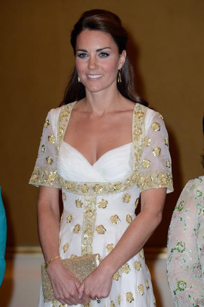 Catherine, Duchess of Cambridge attends an official dinner hosted by Malaysia's Head of State Sultan Abdul Halim Mu'adzam Shah of Kedah on Day 3 of Prince William, Duke of Cambridge and Catherine, Duc