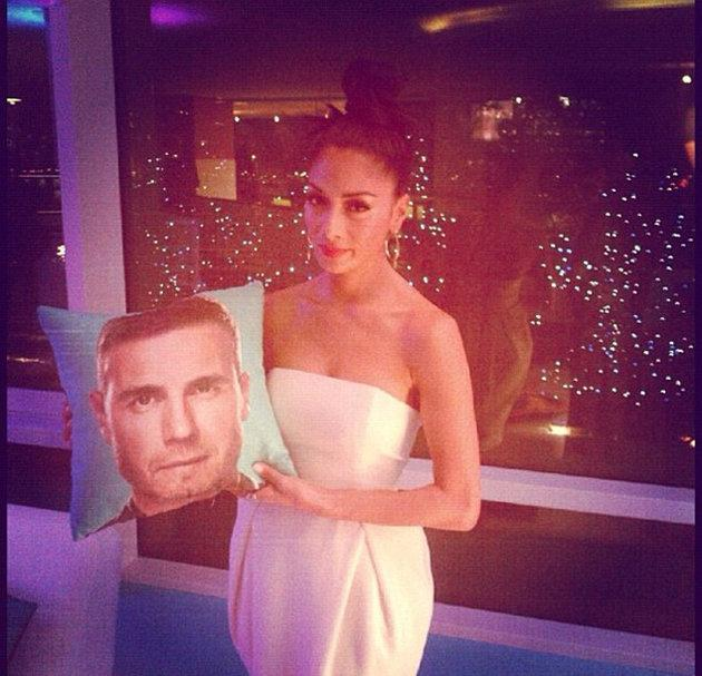 Celebrity Twitpics: Nicole Scherzinger showed off her teasing side this week by posting a picture of herself with a cushion featuring Gary Barlow's face. We like her unimpressed expression. [Copyright
