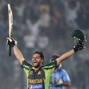 [BUZZ] Fans pray for an Afridi son