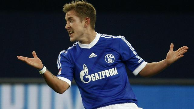 Bundesliga - Holtby joins Spurs immediately