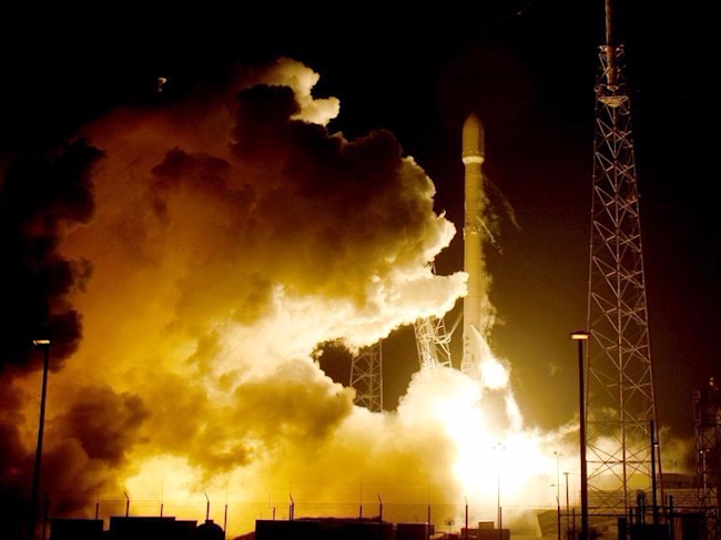 A remodeled version of the SpaceX Falcon 9 rocket lifts off at the Cape Canaveral Air Force Station on the launcher's first mission since a June failure in Cape Canaveral, Florida, December 21, 2015.  REUTERS/Joe Skipper