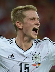 German midfielder Lars Bender celebrates after scoring a goal during the Euro 2012 football championships match Denmark vs. Germany, on June 17, 2012 at the Arena Lviv in Lviv. AFP PHOTO / JEFF PACHOUD