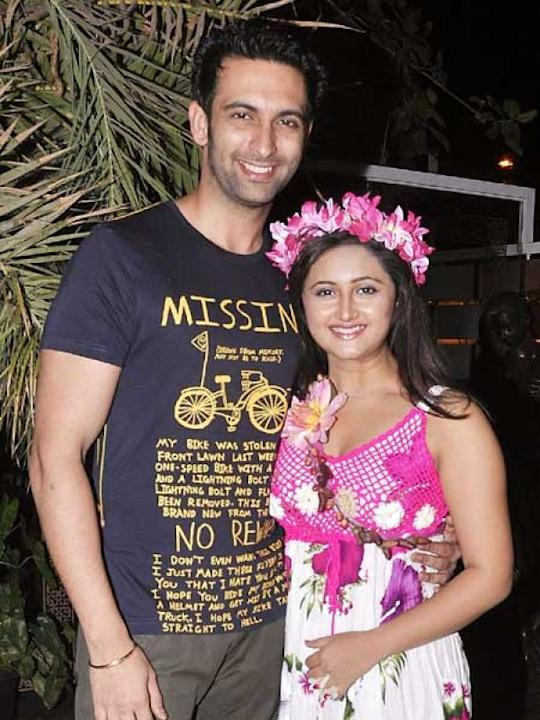 Images via : iDiva.com Rashmi Desai and Nandish Sandhu: Rashmi Desai and Nandish Sandhu met while they were working together for Uttaran , which is aired on Colors. They got married in February 2012.