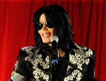 Michael Jackson's Assistant Files Class-Action Lawsuit Against 'This Is It' Tour Promoter